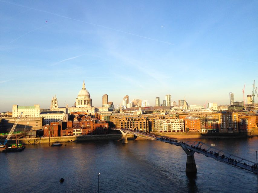 Feng Shui Explained River / Water and Sky / Wind with London and humans between